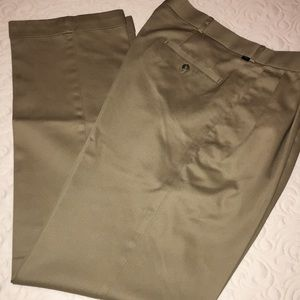 Dockers Premium Pleated Relaxed Fit Pants
